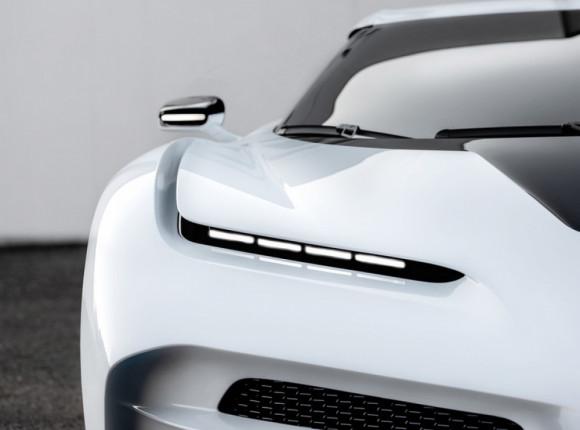 Bugatti Centodieci: свято як годиться