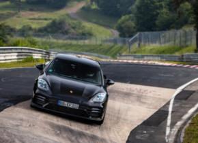 Новий Porsche Panamera 2021: ще не