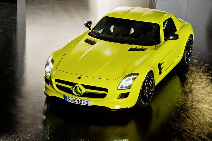 Mercedes SLS AMG E-cell at Paris-2010