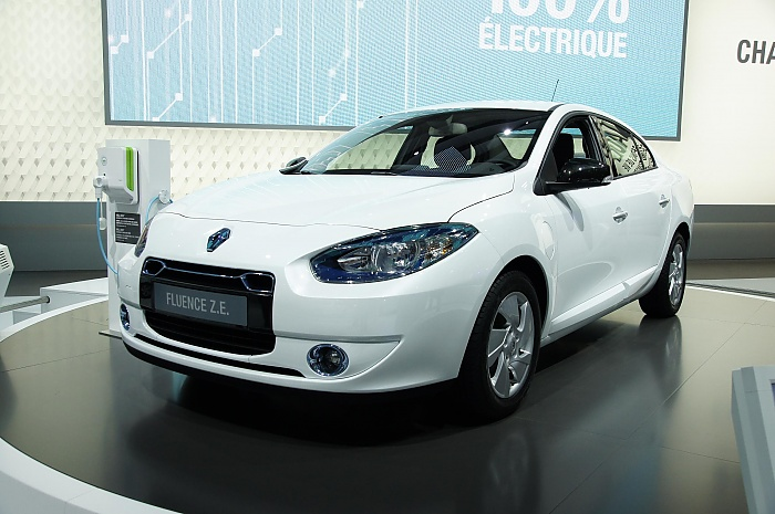 Renault Fluence Z.E. at Paris-2010