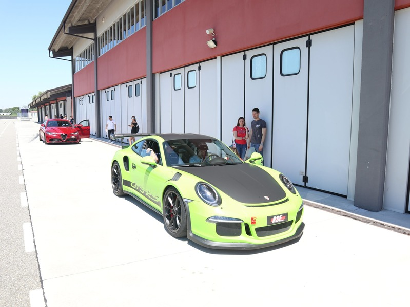 eugeniy-luzan-track-day-at-circuito-tazio-nuvolari-with-alfa-romeo-giulia-qudrifoglo-and-porsche-911-gt3-rs-typ-991