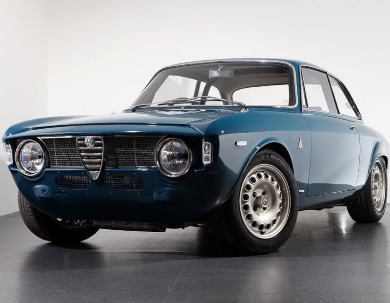 astoni-italian-series-winter-2021-alfaholics-gta-r-300-carbon-madness-55-years-later