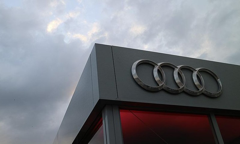 racing-full-end-of-the-year-for-audi