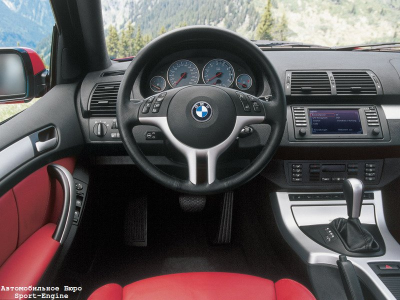 BMW X5 4.6iS 2002-2003 interior