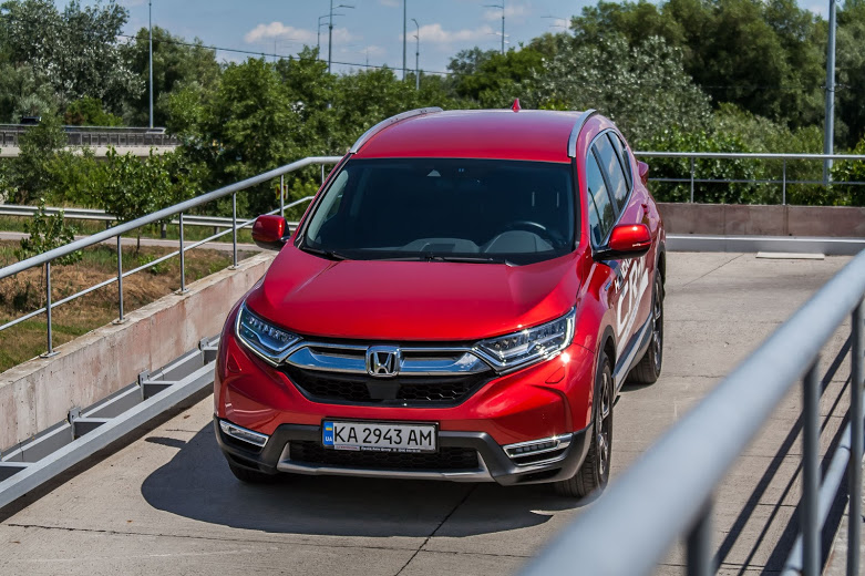 automotive-world-on-sport-engine-with-oleg-vasylevskyi-test-drive-honda-cr-v-5th-generation-hybrid-e-cvt-fwd