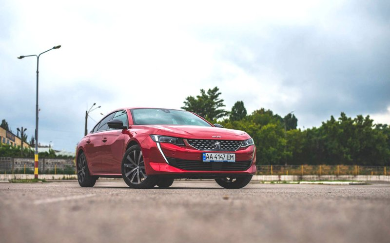 automotive-world-on-sport-engine-with-oleg-vasylevskyi-test-drive-peugeot-508-2018MY
