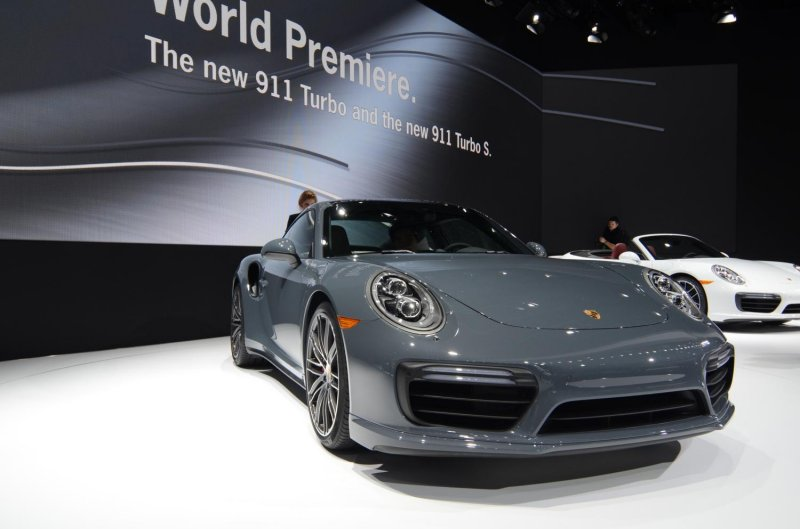 porsche-911-turbo-visual-history-of-all-generations-by-porsche-centre-dnipro-and-automotive-bureau-sport-engine-part-3-typ-997-typ-991